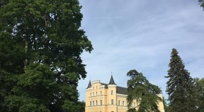 Mehr zu Schloss Kröchlendorff